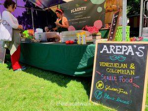 glutenvrije agenda, Marktkraam op ruigmarkt van Mr Plaenty, glutenvrije arepa's