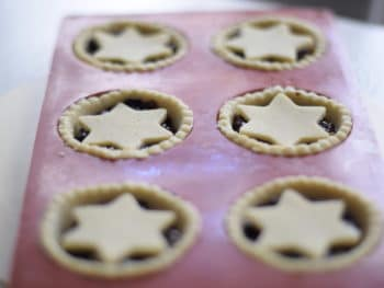 mince pies recept glutenfree mince meat pies, unbaked in red silicon mold
