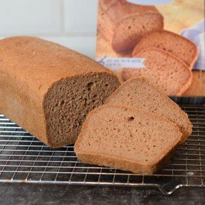 Lidl glutenvrije broodmix, het bruine brood werd net zo mooi als het brood op de foto van de verpakking!