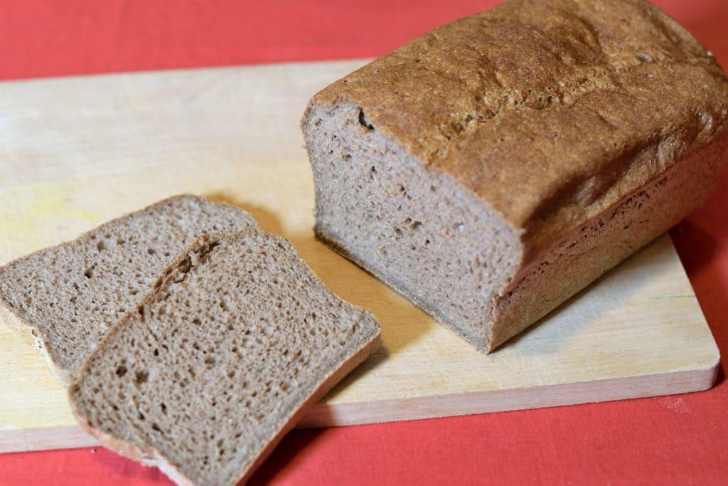 Bruinbrood, gebakken met de Schar glutenvrij Mix It Dunkel meelmix