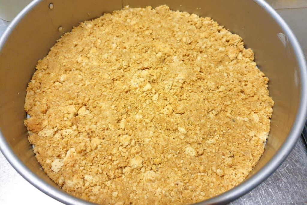 glutenvrije koekjesbodem in een springvorm