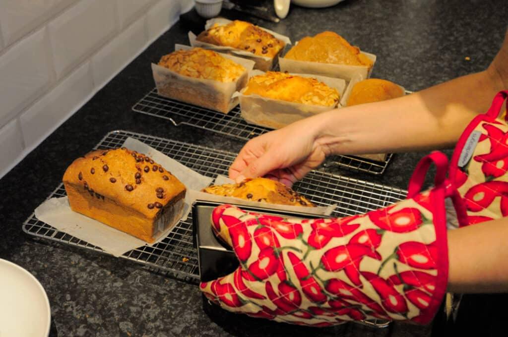 Glutenvrije cakejes vers uit de oven